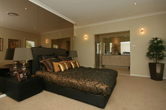 Luxury master bedroom decorating design ideas home gallery for Luxurious master bedroom decorating ideas 2012