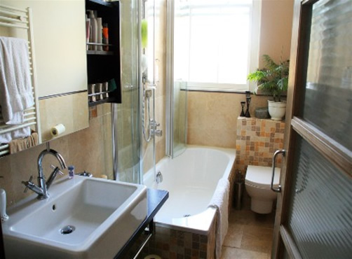 Designing a small bathroom with small ideas home gallery for Designing small bathrooms ideas